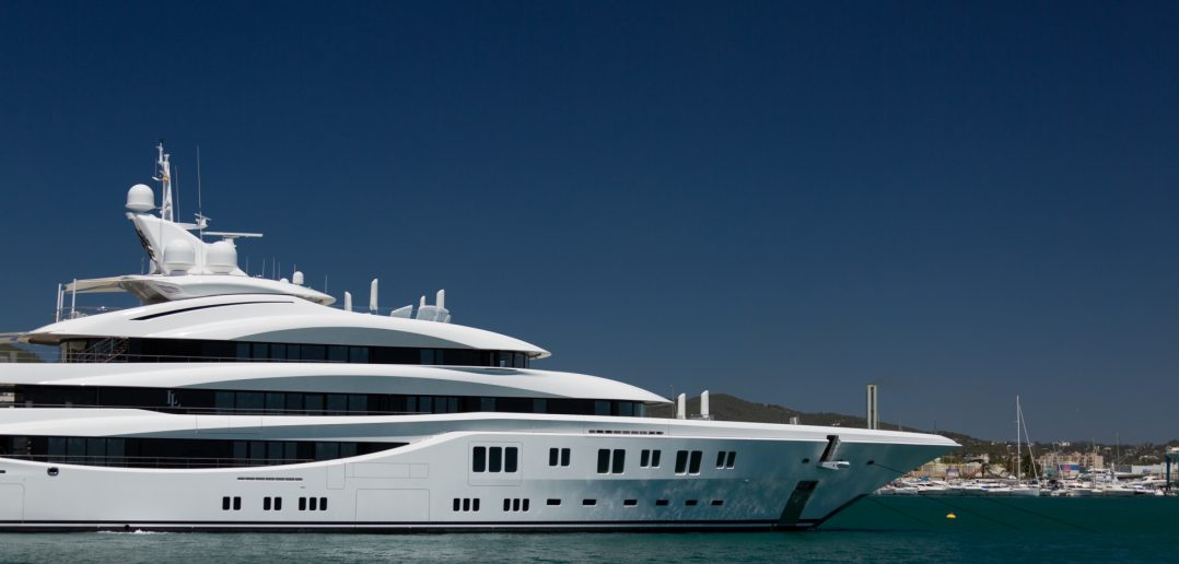 investing success, rich lifestyle, yacht